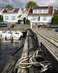 "Drøbak, ""the town of roses"". One of my favorite places for a Saturday walk on the narrow streets between traditional Norwegian houses, tiny gardens and small boutiques. For the dreamy rose garden experience, visit in summer of course. ________________________________________________________ #drøbak #visitnorway #visitfollo #fishermansvillage #boatrope #marina #fishingboats #town #whitehouse #norway #norwayphoto #norwaylike Boat Rope, Norwegian House, Visit Norway, Photo Boards, Oslo, Fishing Boats, Boutiques, Railroad Tracks, Gardens"