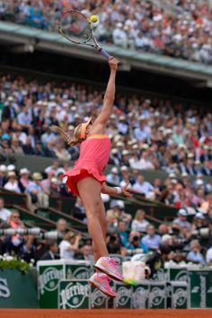 French Open 2014: Maria Sharapova beats Eugenie Bouchard to reach final