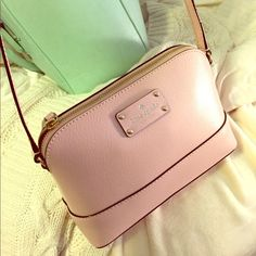 Kate Spade Baby Pink Crossbody NWOT. Perfect condition, no marks or anything kate spade Bags Crossbody Bags
