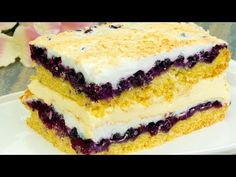 The most delicious fruit and meringue cake - It is way, way too good! Romanian Desserts, Romanian Food, Other Recipes, My Recipes, Focaccia Bread Recipe, Cheesecake, Meringue Cake, Delicious Fruit, Pie Dessert