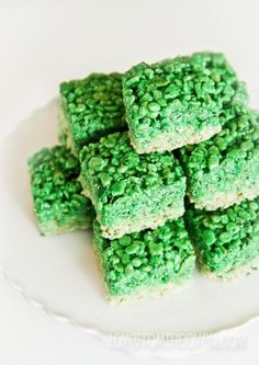 Ombre Rice Krispies Treats for St. Patrick's Day.  Would be so cute in red and pink for Valentine's Day!