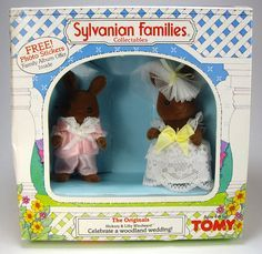 Sylvanian Families Collection Hickory and Lilly Winward, Celebrate a Woodland Wedding!