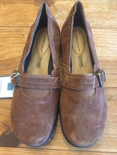 5e5549c57c2 Croft amp Barrow Women 039 s Size Ortholite Brown Suede Loafers Flats  Leather Shoes