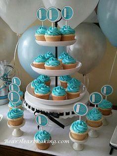 Wii Party Blue and White Cupcakes | Flickr - Photo Sharing!