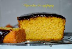 Bizcocho de calabaza con cobertura de chocolate Oreo Cake, Churros, Dessert Recipes, Desserts, Deli, Cornbread, Cupcake Cakes, Cupcakes, Bakery