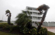 10 STATES AT RISK FOR HURRICANES The 2013 hurricane season is expected to be a wild one. The National Oceanic and Atmospheric Administration is predicting up to 11 hurricane...