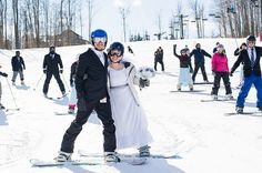 A wedding in New York in the middle of winter? Snowboarding in a tux and a wedding dress?! Meh, you guys know how we roll. Let's check out the ski shot fun, the freezing but totally dedicated…