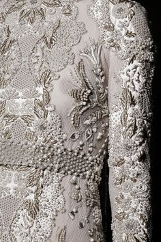 Embroidery detail at Valentino Haute Couture, Fall Couture Details, Fashion Details, Fashion Design, Couture Fashion, Runway Fashion, Net Fashion, White Fashion, Fashion Art, Couture Embroidery