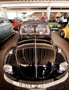 Black Speester Cabrio!🌑🌑 Ready for your event!📽📸🎥 #rent #rentme #alquilame #alquiler #evento #event #shooting #foto #photo #photography #cabrio #cabriolet #descapotable #biplaza #boda #bodas #despedidas #shooting #tv #cine #amazingcar #old #vintage #clasic #clasicar