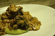 MissMuffin: Meatballs with Creamy Mushroom Gravy