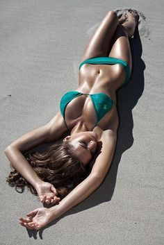 Great bikini color for when I start getting my tan this summer❤ bathing beauty (bikini beach) summer