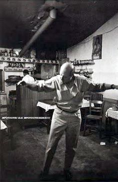 Magnum Photos Home Greek Dancing, Dancing In The Rain, Greece People, Henri Cartier Bresson, Greek History, Mykonos Greece, Magnum Photos, Sophia Loren, Old Photos