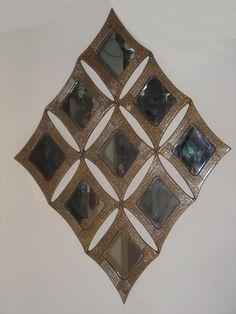 Χειροποίητη δημιουργία μου σε ξύλο-υπάρχει δυνατότητα διαφοροποιήσεων. Bohemian Rug, Quilts, Blanket, Rugs, Home Decor, Farmhouse Rugs, Decoration Home, Room Decor, Quilt Sets