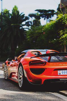 Porscheᴇ 918.Luxury, amazing, fast, dream, beautiful,awesome, expensive, exclusive car. Coche negro lujoso, increible, rápido, guapo, fantástico, caro, exclusivo.