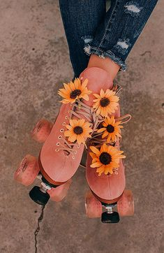 Distressed denim with pink rollerskates and sunflowers. Distressed denim with pink rollerskates and sunflowers. Distressed denim with pink rollerskates and sunflowers. Aesthetic Collage, Flower Aesthetic, Summer Aesthetic, Aesthetic Vintage, Aesthetic Photo, Pink Aesthetic, Aesthetic Pictures, Photography Aesthetic, Aesthetic Clothes