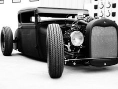 Great rat rod! Matte black or raw steel and rust are the only acceptable paint jobs for these types of rides.