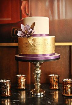 The most beautiful golden cakes - DRAMATIC & GLAMOROUS DINNER PARTY