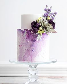 15 Gorgeous Watercolor Wedding Cakes Watercolor wedding cakes have been in the spotlight for years, and for good reason. These dreamy wedding desserts are an artist's masterpiece in the form Violet Wedding Cakes, Fondant Wedding Cakes, Floral Wedding Cakes, Floral Cake, Beautiful Wedding Cakes, Wedding Flowers, Wedding Lavender, Cake Fondant, Cake Wedding