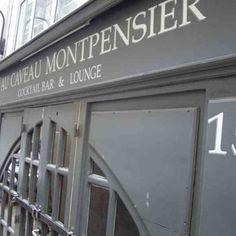 Au Caveau Montpensier, the friendliest ex-pat watering hole in Paris. Pay Jeb & Bleu a visit...