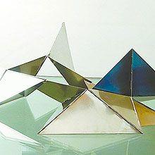 Lygia Clark.. glass + coloured facets!!!