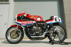 I like the appeal of endurance-race bikes… Works-Honda RCB? 1979?