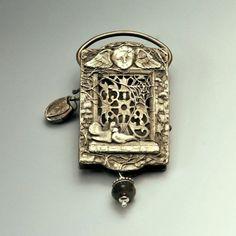 Custom Garden of Good and Evil pendant locket for Daisy (back)