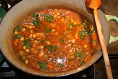Harira - Delicious Moroccan stew with chickpeas and chicken - maybe add some sweet potatoes and Harrisa to spice it up :) (Moroccan Chicken Stew) Soup Recipes, Dinner Recipes, Cooking Recipes, Healthy Recipes, Dinner Ideas, Chicken Menu, Chicken Recipes, Chicken Gravy, Moroccan Stew