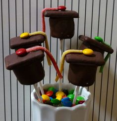 Graduation Marshmallow Pops