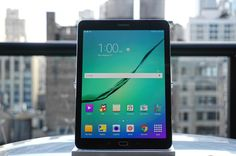 Hands-on with Samsung's shrunken-down Galaxy Tab S2 http://engt.co/1JkfUcD