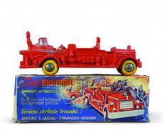Brannbil - den første brannbilen i plast. Lite opplag på grunn av store produksjonskostnader. Serien 1:19
