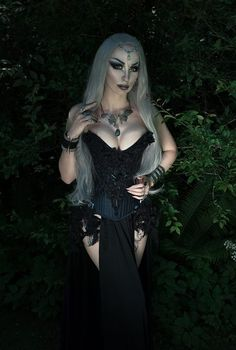 Model, style, mua, photo: Model Kassie Lanfire  Corset: Moriel Corsetry/Necklace:Svart Skog  Headpiece:MyWitchery/Skirt:Dress Art Mystery  Welcome to Gothic and Amazing |www.gothicandamazing.com