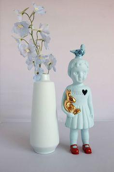 Buiten de Lijntjes - Webshop en Winkel in Wolvega. Porcelain Clonette doll by Lammers en Lammers.
