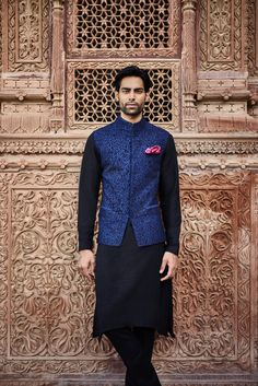 40 Top Indian Engagement Dresses for Men Mens Indian Wear, Mens Ethnic Wear, Indian Groom Wear, Indian Men Fashion, Indian Male, Mens Fashion, Engagement Dress For Groom, Wedding Dress Men, Indian Wedding Outfits