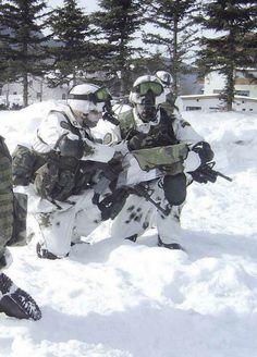 Italian Army, Kobe Bryant, Survival Gear, Warfare, Soldiers, Badass, Weapons, Landscape, Games