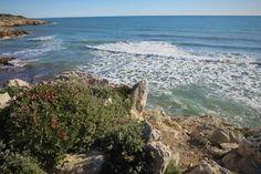 hiking sunny coast of Spain, from Villanova to Sitges