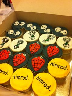 Next year my birthday cupcakes better look like this.