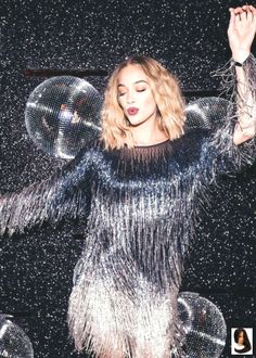 disco party outfit Jasmine Sanders dancing the night away at the AQUAZZURA Disco Party held last week during Jasmine Sanders, New Years Eve Outfits, Night Outfits, Party Photography, Fashion Photography, Mode Disco, How To Have Style, Roller Disco, Disco Fashion