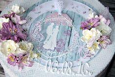 Bryllupspyntet boks med dies fra Marianne Design, Sizzix og studiolight. Papir fra Studiolight.