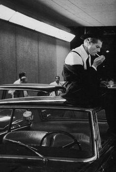 """"""" """"Marcello Mastroianni photographed by Tazio Secchiaroli the set of """" """" Black And White Frames, Black And White Wallpaper, Black And White Pictures, Black Wallpapers Tumblr, Marcello Mastroianni, Old Film Posters, Art Folder, 2 Movie, White Aesthetic"""