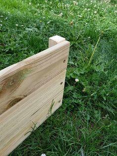 DIY : fabriquer une jardinière en bois pour le jardin Diy Nature, Outdoor Furniture, Outdoor Decor, Outdoor Storage, Mary, Construction, Couture, Crochet, Window Boxes