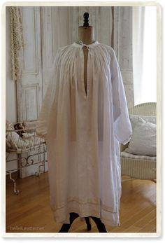 フランスアンティーク教会用スモック - 【Belle Lurette】ヨーロッパ フランス アンティークレース リネン服の通販