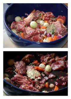 Gisteren gaf ik vijf tips voor de bereiding van een heerlijke boeuf bourguignon.Vandaag, zoals beloofd, ons recept. Recept: Boeuf Bourguignon met ontbijtkoek Ingrediënten:Voor 4-6 personen – 1,5 kilo mager stoofvlees