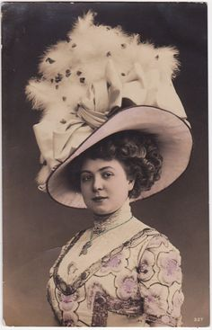 Lovely Belle Epoque Sophisticated Edwardian Lady in by decorables Victorian Women, Edwardian Era, Edwardian Fashion, Vintage Fashion, Victorian Life, Victorian Dresses, Gibson Girl, Architecture Tattoo, Photo Postcards