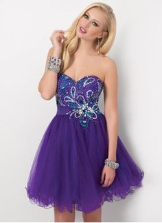 A-Line/Princess Strapless Sweetheart Knee-Length Tulle Charmeuse Homecoming Dress With Beading Sequins
