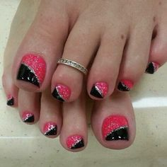 Pink And Black Glitter Nail Art Designs
