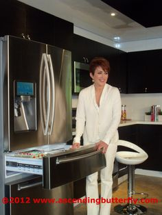 I took this picture at the Samsung Make Your House Work product walk through event, this Fridge has APPS, it's like a 'fridge-puter'! I ♥ it! Patricia Heaton was the moderator for the panel discussion.
