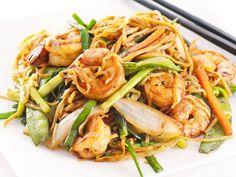 Best Of Cooking: Fried Noodles With Garlic Shrimp Recipe Shrimp Dishes, Shrimp Recipes, Pasta Dishes, Fish Recipes, Asian Recipes, Great Recipes, Favorite Recipes, Recipies, Think Food