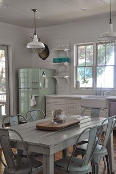 Jane Coslick Cottages : Fences, Flowers,Flipflops ,Frills and Fun…..