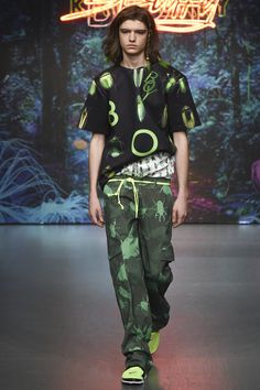Katie Eary Spring 2018 Menswear Fashion Show Collection