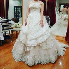 白ドレスその2 ふわふわの可愛い系() #ウエディングドレス#白ドレス#プリンセスライン by chihona